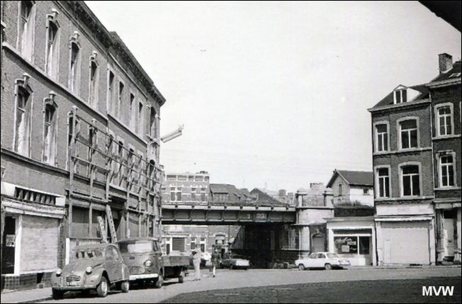 place des wallons laveu liege fin annees 1960 (2).jpg